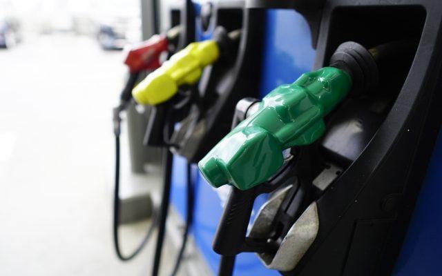 株式会社ジャストライト浪岡智がお送りするガソリンスタンドでの給油のイメージ画像